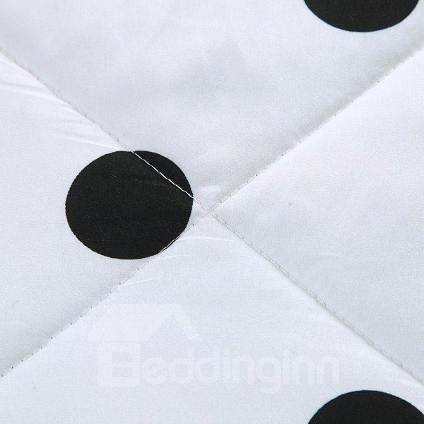 Fashion Black Polka Dot Print White Polyester Quilt