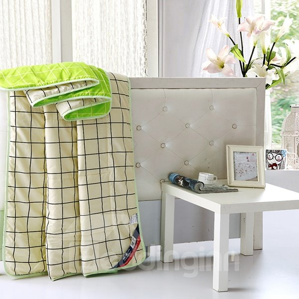 Classical Concise Plaid Reactive Printing Polyester Quilt