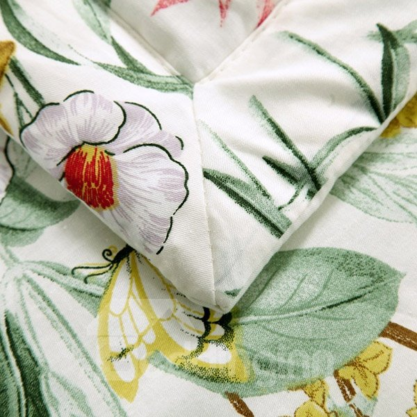 Fresh Pastoral Style Flowers and Butterflies Print Cotton Quilt
