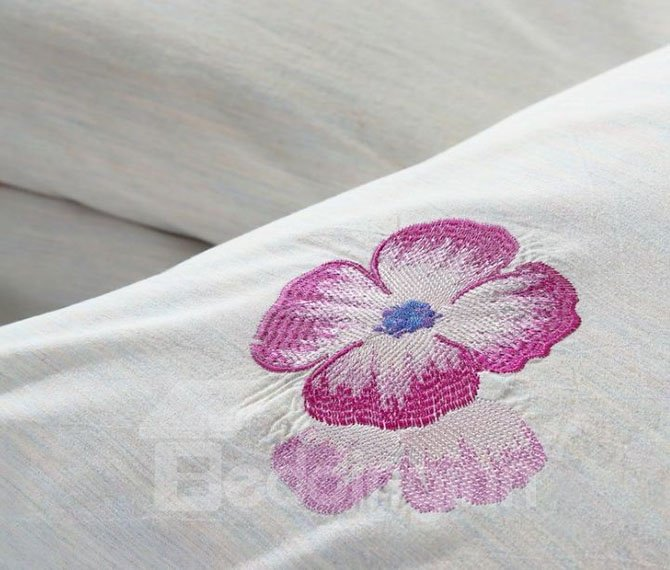 Special Design Glamorous Flowers Embroidery White 4-Piece Bedding Sets