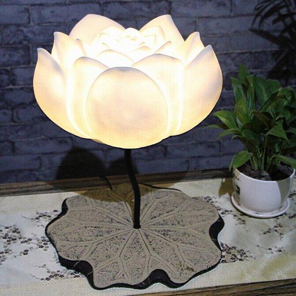 Unique Resin Creative Lotus Decorative Table Lamp