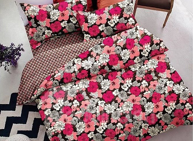 Gorgeous Red and White Small Flower 4-Piece Polyester Duvet Cover Sets