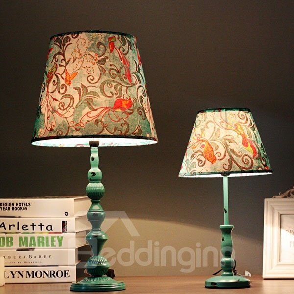 Amazing Iron European Style Flower Pattern Table Lamp