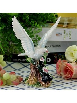 White Ceramic Flying bird Desktop Decoration Painted Pottery