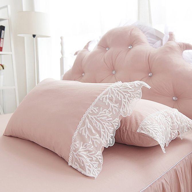 Beautiful Lace Embellishment 4-Piece Cotton Duvet Cover Sets