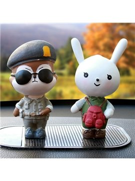 Funny Environment Resin Material Cartoon Rabbit And Bear Creative Car Decor