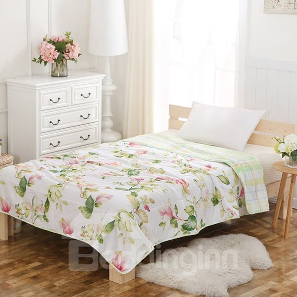 Fresh Style Elegant Cyclamen Print Cotton Quilt