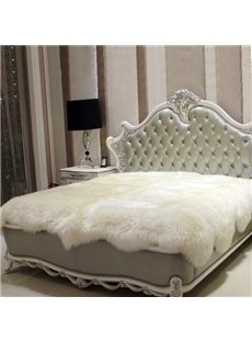 European Style Soft and Comfortable Sheepskin White Blanket