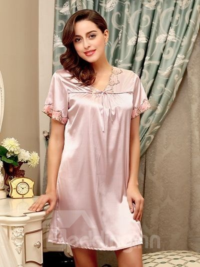 V-Shaped Neck Chest Style With Chest Tie Pattern One-Size Sleepshirt