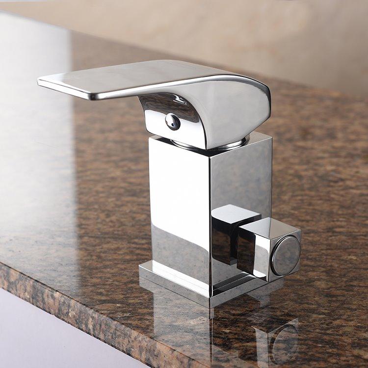 Practical Contemporary Chrome Single Handle Three Holes LED Light Bathtub Faucet