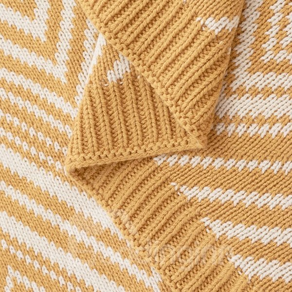 Cozy and Soft Water Ripple Design Cotton Thread Blanket