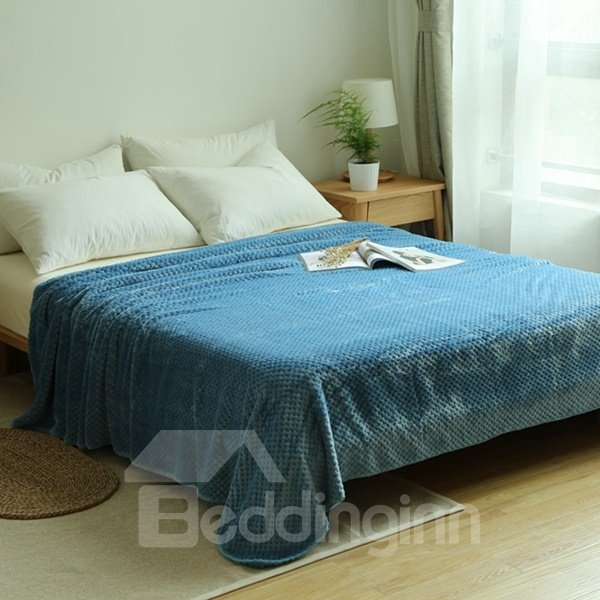 Fashionable Minimalist Style Solid Color Flannel Blanket