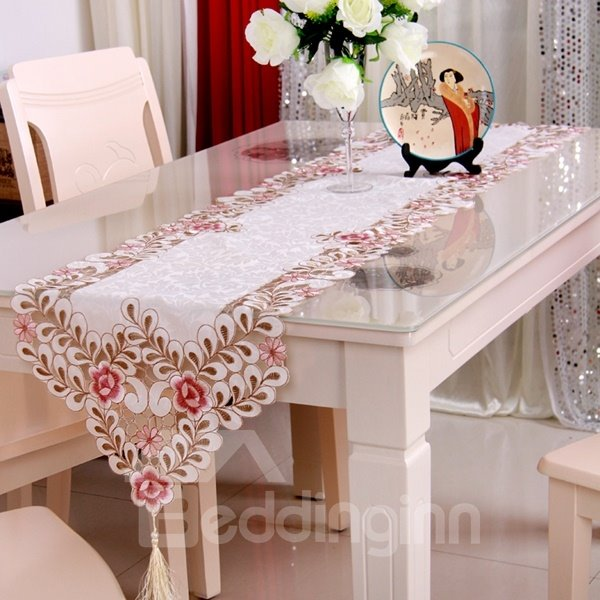 Modern Fashion Rectangle Polyester Embroidery Flower Crochet Table Runner