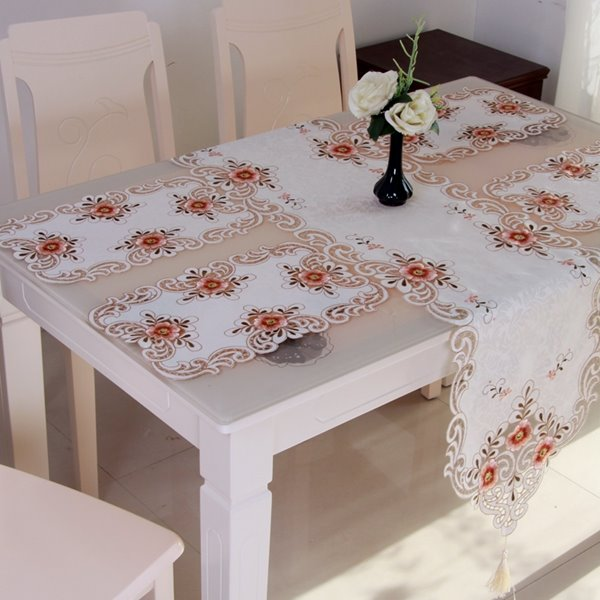 Modern Fashion Polyester Embroidery Flower Crochet Dining Table Runner