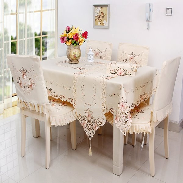 Unique Design Polyester Embroidery Flowers Lace Dining