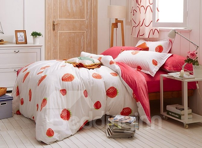 Inviting Strawberry Print 4-Piece Cotton and Flannel Duvet Cover Sets
