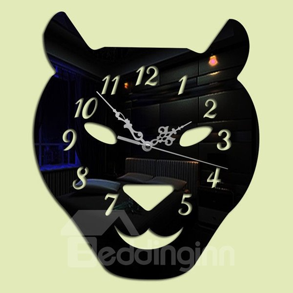 Three Colors Acrylic Leopard Head Pattern Design Room Silent Battery Wall Clock