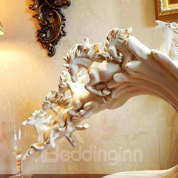 White Resin European Style Running Horses Design Desktop Decoration