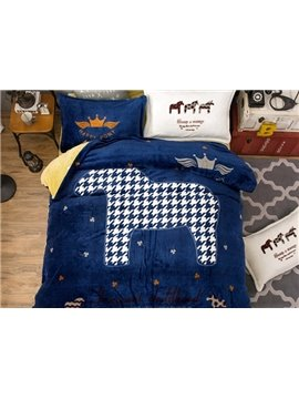 Chic Houndrs Thooth and Horse Print 4-Piece Flannel Duvet Cover Sets