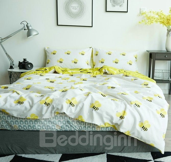 Honey Bee Print White Cotton 4-Piece Bedding Sets