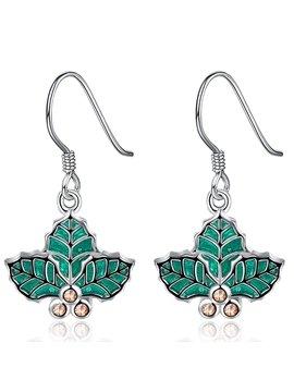 Elegant Green Leaf Design Pendant Earring
