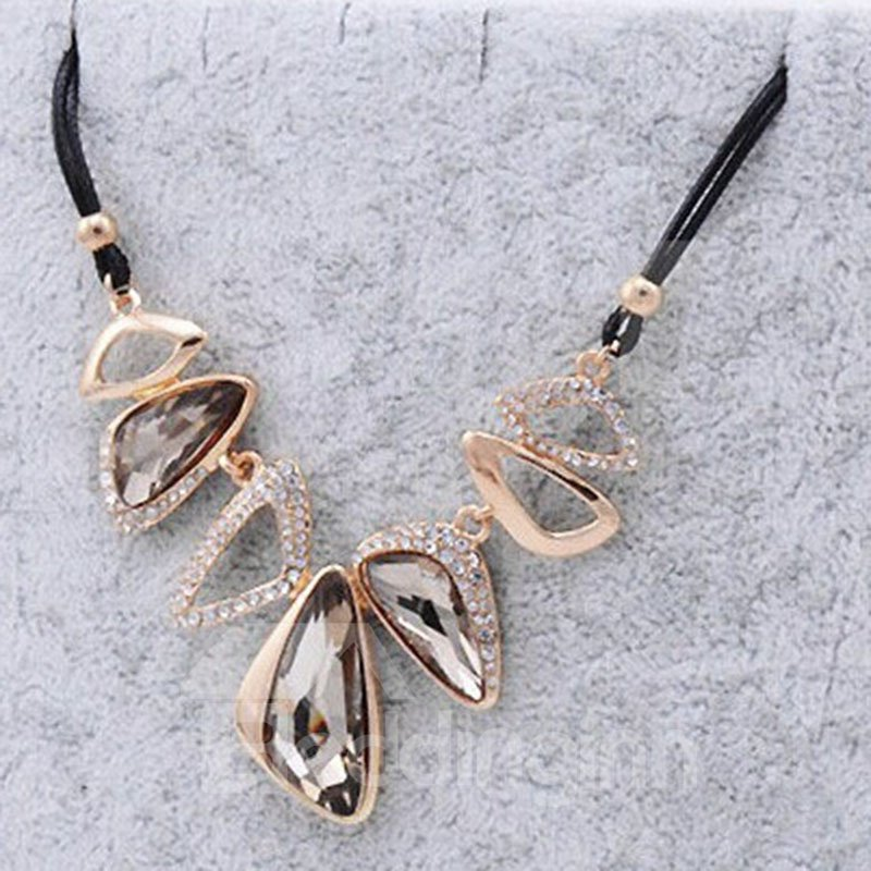 Exaggerated Asymmetric Geometry Design Statement Necklace