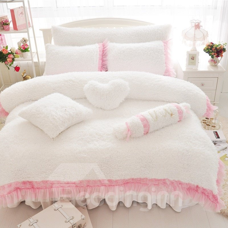 Sweet Rose And Lace Embellishment White 4-piece Velvet Bedding Sets/duvet Cover