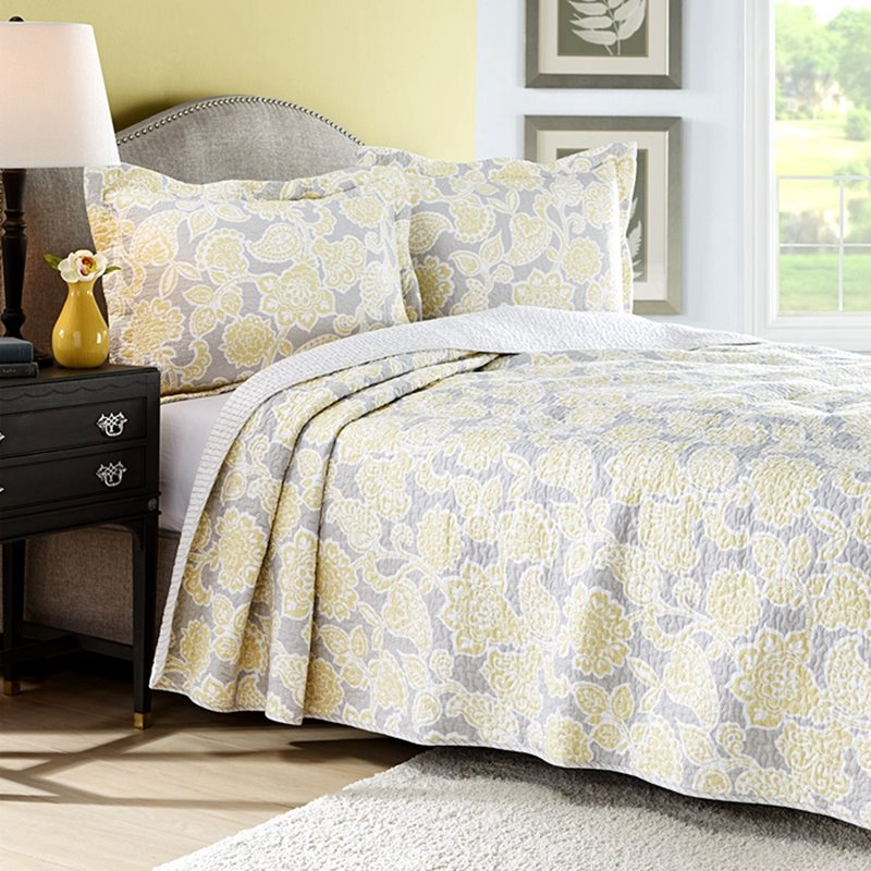 Splendid Yellow Floral 3-Piece Cotton Bed in a Bag