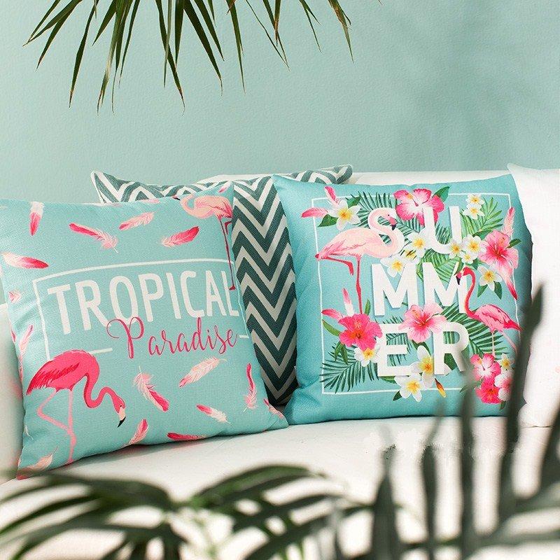 Romantic Lifelike Pink Flamingo Print Throw Pillow