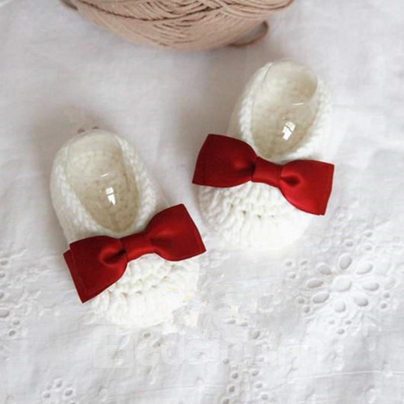 Adorable Bowknot Design White Knitting Baby Booties