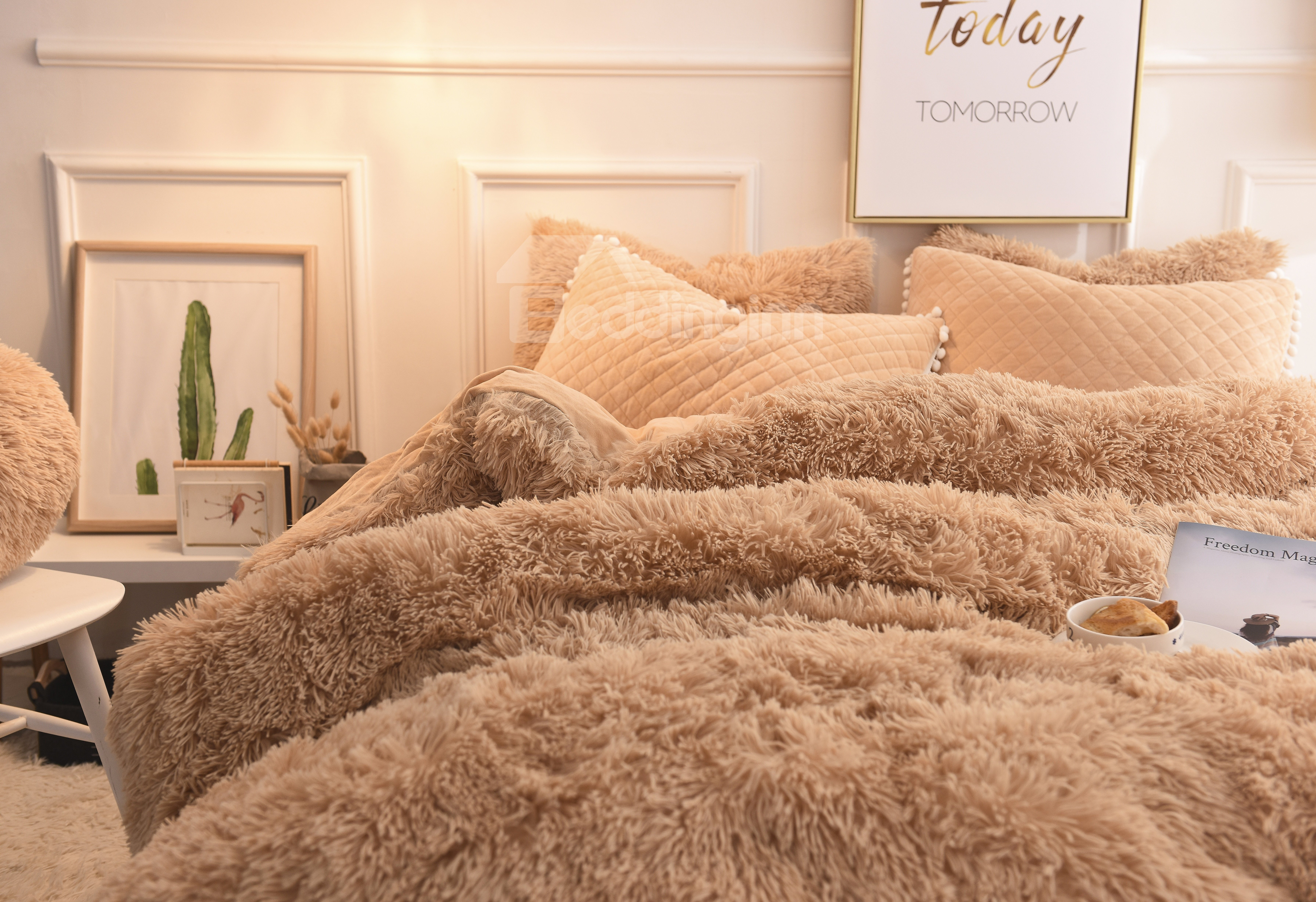 Solid Camel Quilting Bed Skirt Super Soft 4-Piece Fluffy Bedding Sets/Duvet Cover