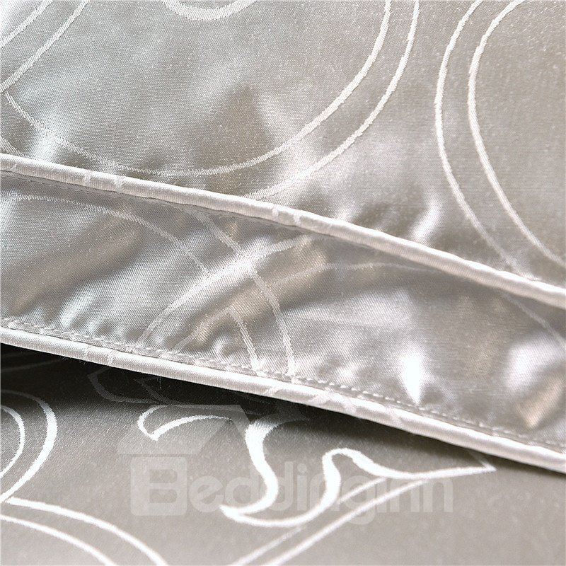 Solid Sliver Luxury Style Down Feather Super Soft Thick Winter Quilts/Comforters