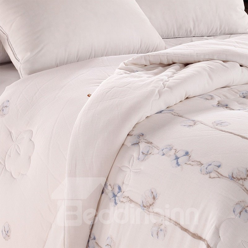 Blue Flowers Printed White Super Soft Cotton Winter Quilts/Comforters