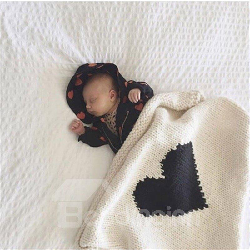 Heart Shape Printed Acrylic Nordic Style Baby Blanket