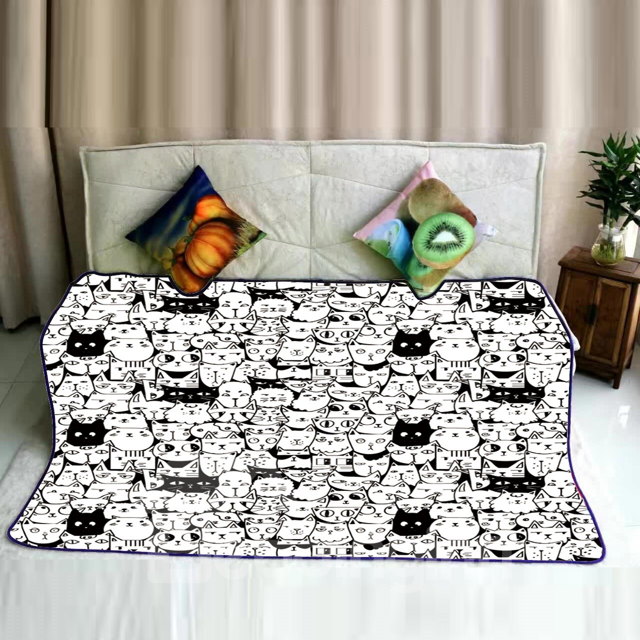 Cats Face Dotted Printed Super Soft Flannel Bed Blankets