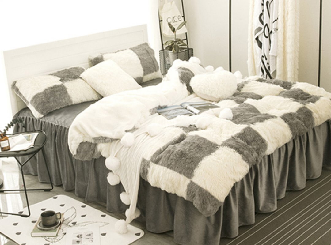 White and Grey Plaid Fluffy Bed Skirt 4-Piece Soft Bedding Sets/Duvet Cover