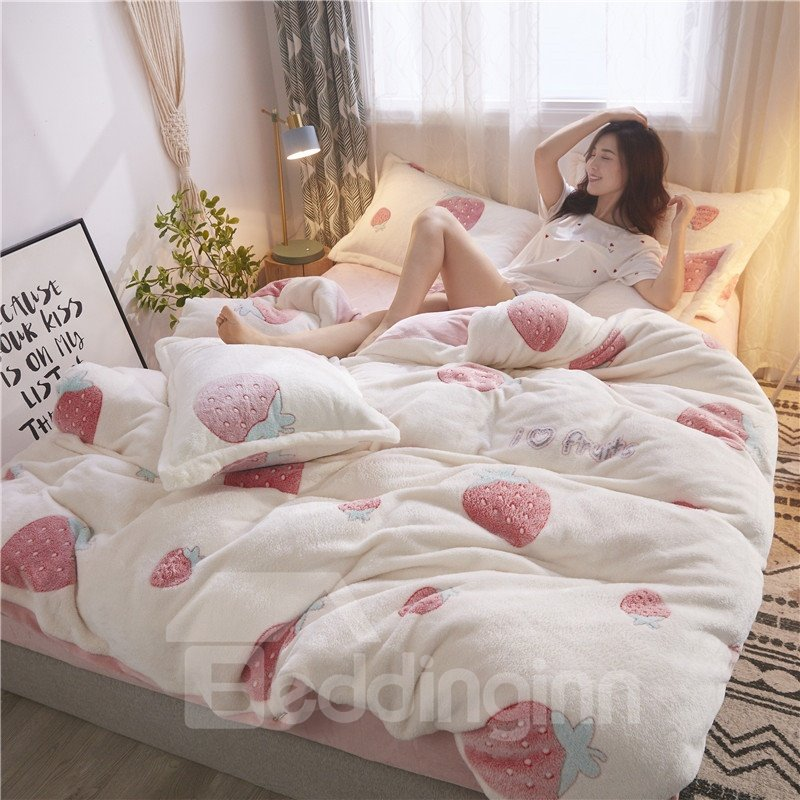 White Reversible Flannel Warm Strawberry Kids 4-Piece Fluffy Bedding Sets/Duvet Cover
