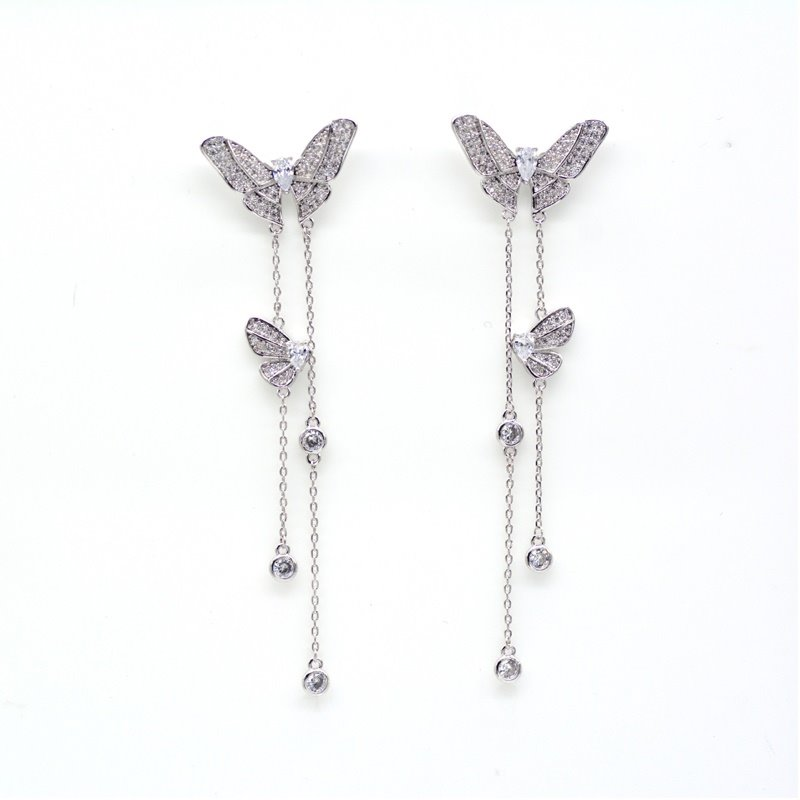 Personality Versatile Simple and Realistic Butterfly Earrings