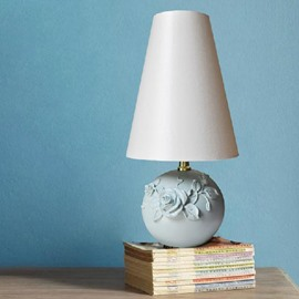 Beautiful Rose Flower Style Round Base Resin Table Lamp