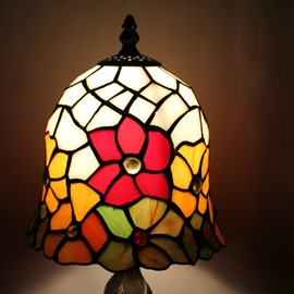 Gorgeous Tiffany Style Floral Pattern Stained Glass Table Lamp