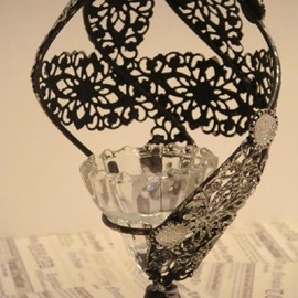 New Arrival Beautiful Hollowed Conch Design Iron Material Candle Holder