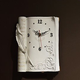 Texture Retro Book Style Mute Resin Clock