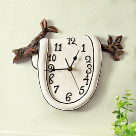 Creative and Delicay Clock on the Branch Resin Mute Wall Clock