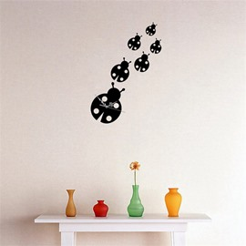 DIY Ladybird Pattern Simple Design 3D Acrylic Specular Mute Wall Clock