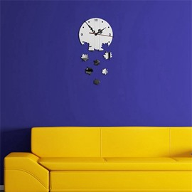 Maple Leaves Shape 3 Color Simple Design 3D Acrylic Specular Mute Wall Clock