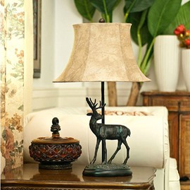 European Classic and Retro Elk Resin Table Lamp