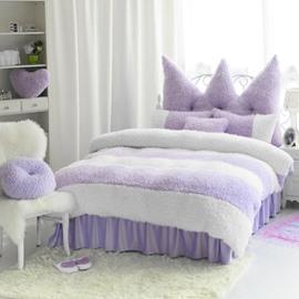 Noble Purple and White Color Block 4-Piece Velvet Fluffy Bedding Set/Duvet Cover