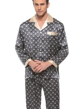 Classic Design Open Collar Patch Pocket Mulberry Silk Pajamas