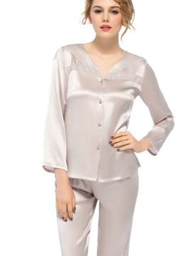 Pretty Wonderful Classic Long Sleeve Embroidery Collar Silk Pajamas