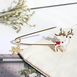 Personality Christmas Snowflake Reindeer Deer Brooch Pin